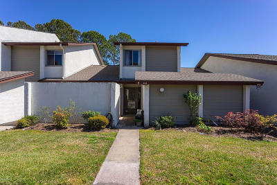 Beaufort Condo/Townhouse For Sale: 5 Marsh Harbor Drive #G