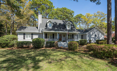 Beaufort County Single Family Home For Sale: 10 Planters Circle