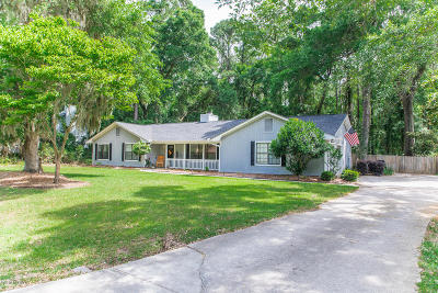 Beaufort County Single Family Home For Sale: 21 Chesterfield Drive