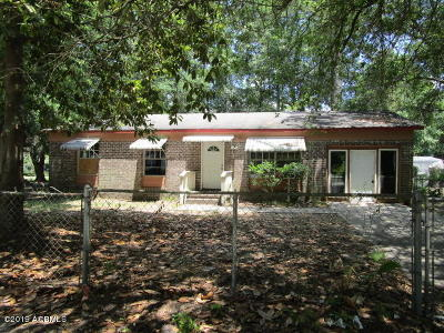 Beaufort County Single Family Home For Sale: 18 Kennedy Circle