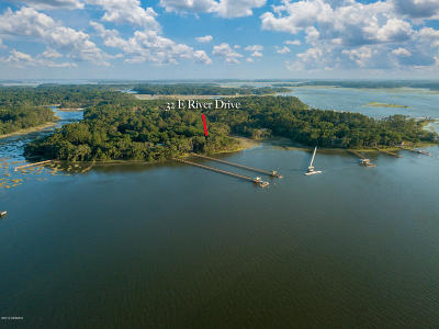 Beaufort County Single Family Home For Sale: 32 E River Drive