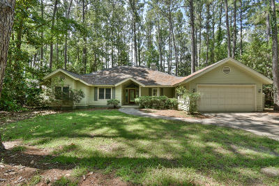 Single Family Home For Sale: 19 Winding Oak Drive