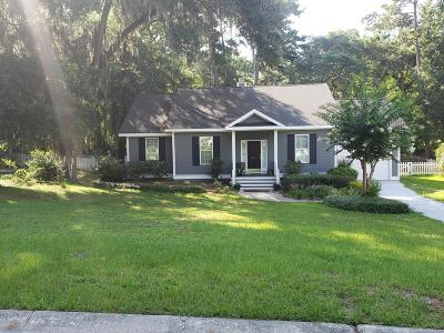 Beaufort County Single Family Home For Sale: 305 Cottage Farm Drive