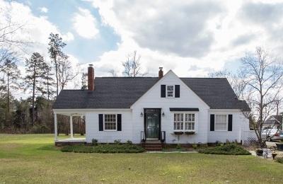 Tabor City Single Family Home For Sale: 104 Sandwall St.