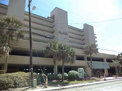 North Myrtle Beach Condo/Townhouse For Sale: 1709 S Ocean Blvd #111