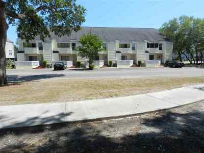 Condo/Townhouse For Sale: 10 N Willow Dr. #4