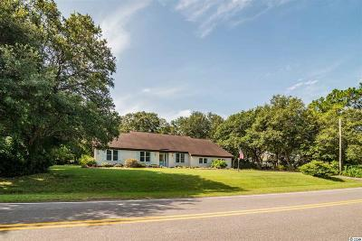 Litchfield Country Club Single Family Home Active Under Contract: 641 Crooked Oak Dr.