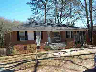 Columbia Single Family Home For Sale: 232 Waterford