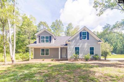 Elgin Single Family Home For Sale: 1445 NE Miles
