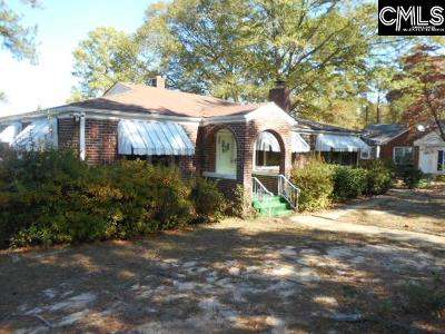 Columbia Single Family Home For Sale: 301 Wildwood
