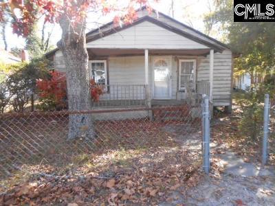Lexington Single Family Home For Sale: 805 Hendrix