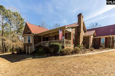Single Family Home For Sale: 264 Country Woods
