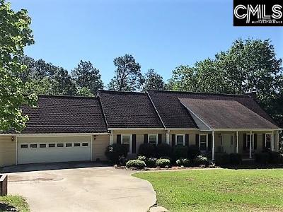 West Columbia Single Family Home For Sale: 126 Robin Forest
