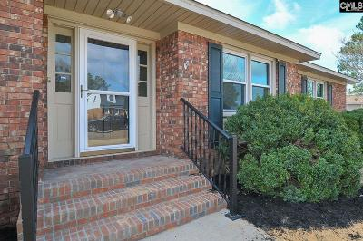 Lexington Single Family Home For Sale: 205 Belinda
