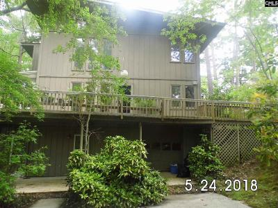 Columbia Single Family Home For Sale: 220 Lake Elizabeth
