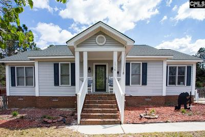 Elgin Single Family Home For Sale: 1518 Pine Valley