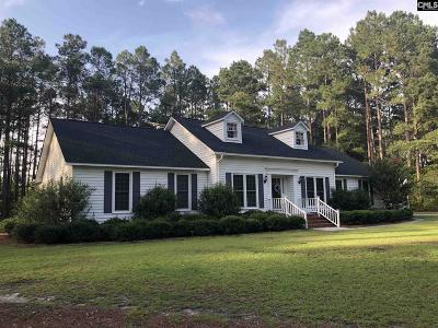 Single Family Home For Sale: 19 Old Farm