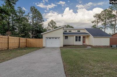 Single Family Home For Sale: 146 New Market