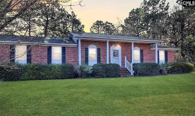 West Columbia Single Family Home For Sale: 130 Half Moon