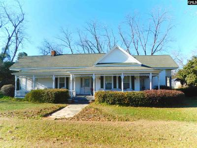 Single Family Home For Sale: 135 N Railroad