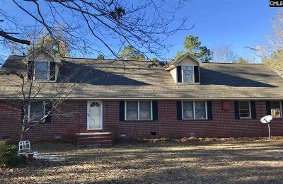 Calhoun County Single Family Home For Sale: 105 Lakeway