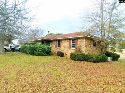 Single Family Home For Sale: 5573 Sandy Trace