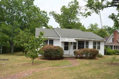 Johnston Single Family Home For Sale: 213 Pecan