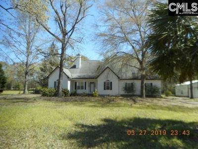 Hopkins Single Family Home For Sale: 600 Saddlebrook