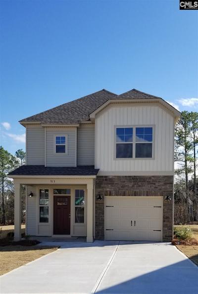 Lexington Single Family Home For Sale: 915 Oxbow