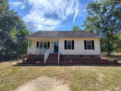 Lexington Single Family Home For Sale: 144 Stephanie Dr