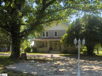 Easley Single Family Home For Sale: 233 Thomas Mill