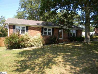 Single Family Home For Sale: 129 Pine Ridge