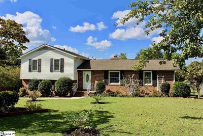 Simpsonville Single Family Home For Sale: 104 Carriage