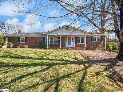 Easley Single Family Home For Sale: 105 Clay