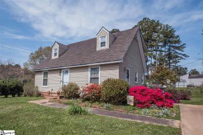 Easley Single Family Home For Sale: 402 Jamestown