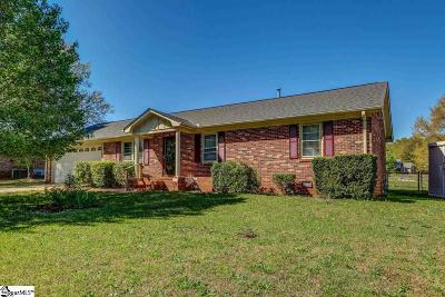 Easley SC Single Family Home For Sale: $142,500