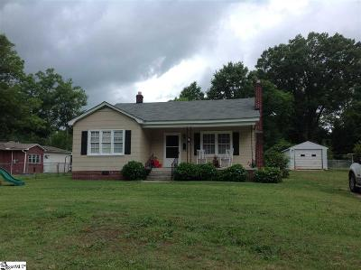 Clinton Single Family Home For Sale: 104 Liberty