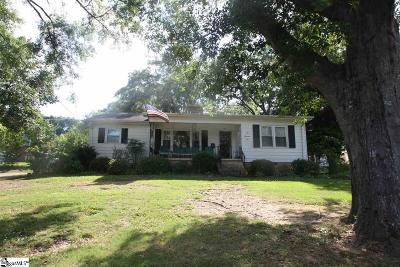 Single Family Home For Sale: 109 Holly