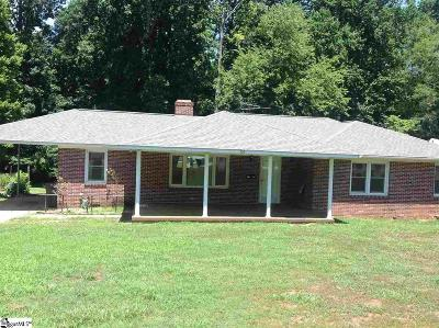 Clinton Single Family Home For Sale: 303 Caldwell