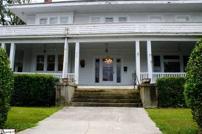 Clinton Single Family Home For Sale: 212 Hampton