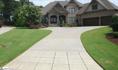 Greenville Single Family Home For Sale: 132 Charleston Oak