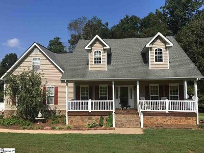 Easley Single Family Home For Sale: 372 Deer Creek