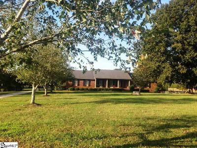 Clinton Single Family Home For Sale: 2032 Leesville Church