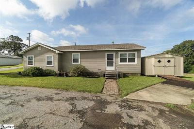 Central SC Single Family Home For Sale: $135,000