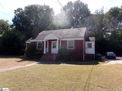 Laurens Single Family Home For Sale: 512 E Main