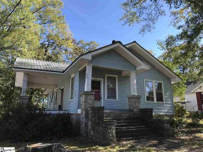 Laurens Single Family Home For Sale: 209 Irby