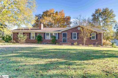 Easley Single Family Home For Sale: 301 Hickory