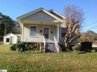 Easley Single Family Home For Sale: 200 S E
