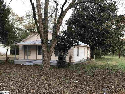 Laurens Single Family Home For Sale: 200 Walker