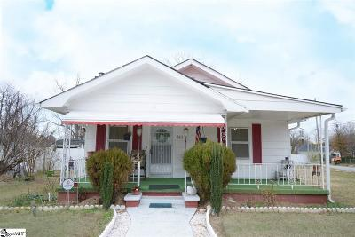 Single Family Home For Sale: 611 Trade